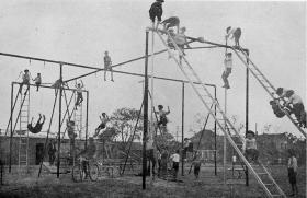 Història ballada del playground_Sala d'Art Jove 2018